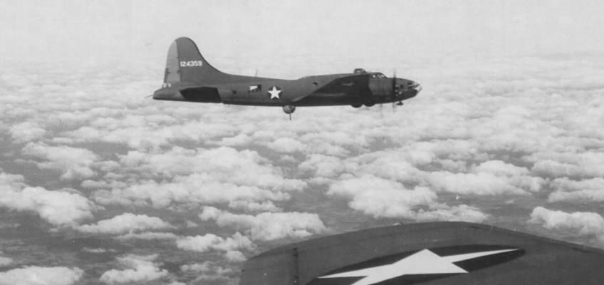 Boeing B-17 #41-24359 / Turd Burd