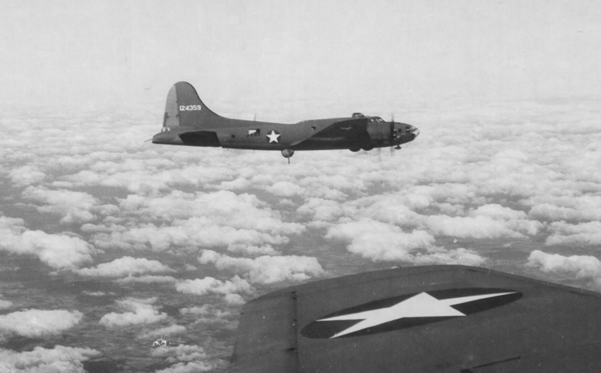 B-17 #41-24359 / Turd Burd