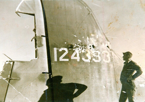B-17 #41-24393 / Eager Beaver