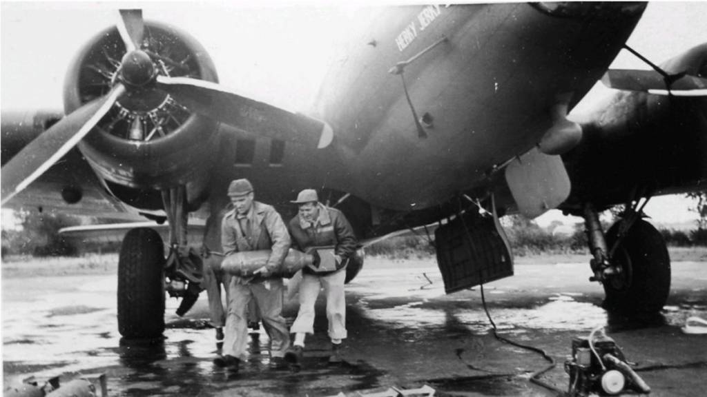 B-17 #42-30181 / Herky Jerky II aka LoverBoy
