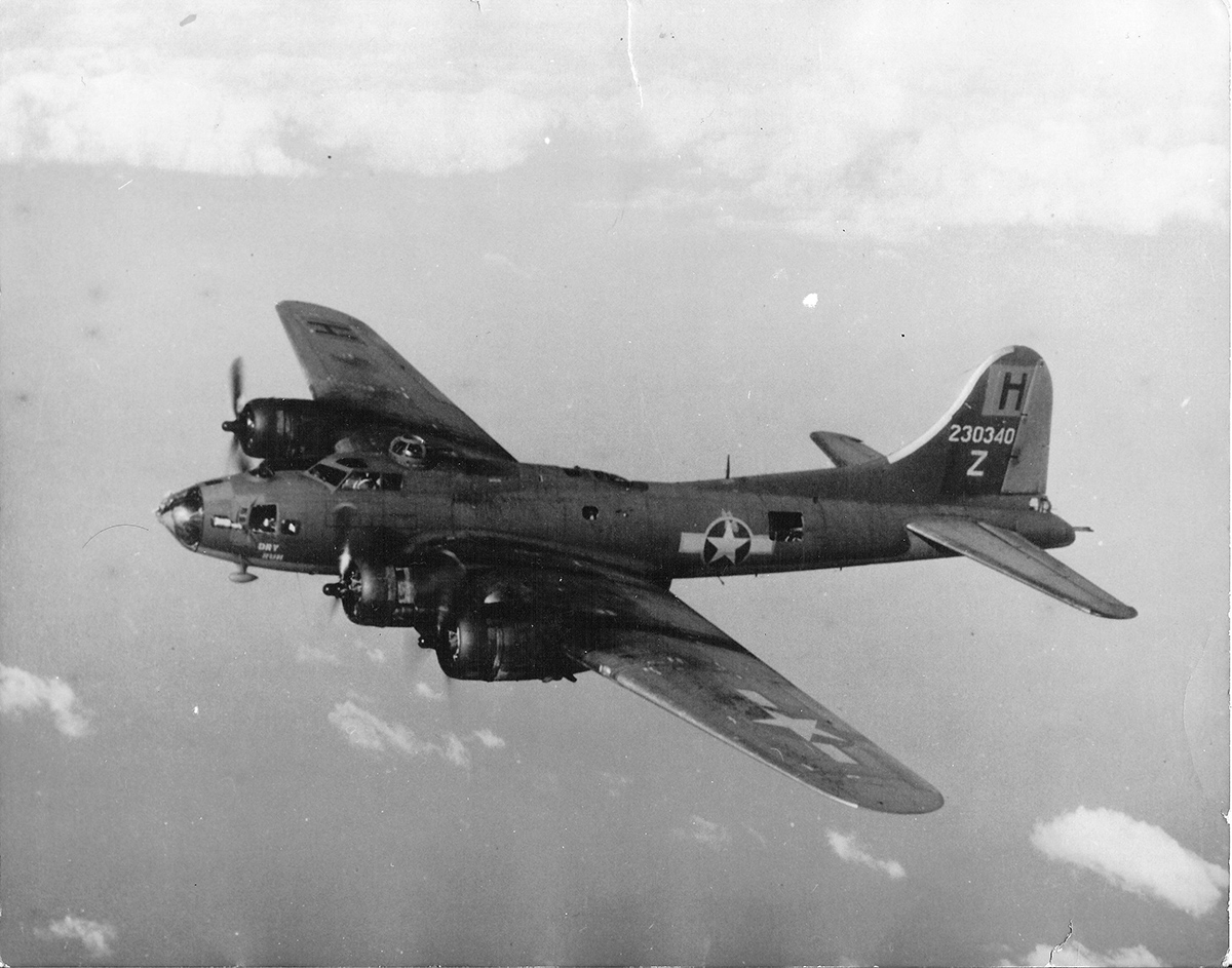 B-17 #42-30340 / Dry Run aka Screamin' Red Ass