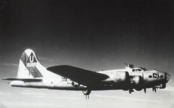B-17 #42-32101 / El Lobo II