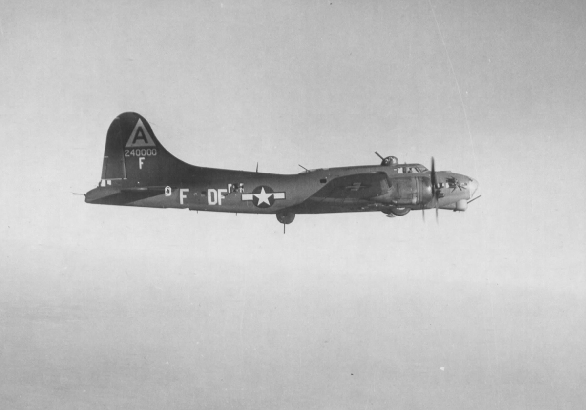 B-17 #42-40000 / Quad Zero aka Just Nothing