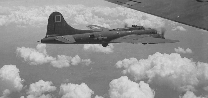 Boeing B-17 #42-5145 / The Gremlin