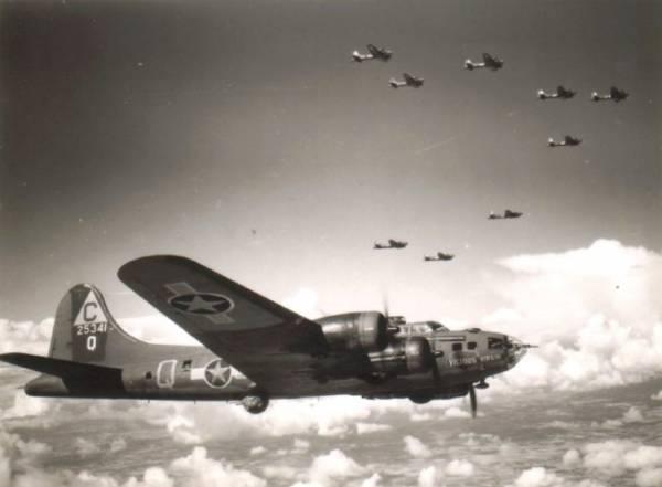 B-17 #42-5341 / Vicious Virgin aka Scarlet Harlot