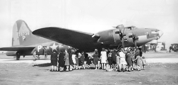 B-17 #42-5736 / Tampa Tornado