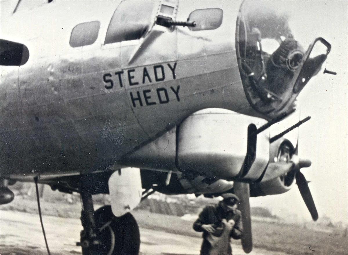 B-17 #42-97181 / Steady Hedy