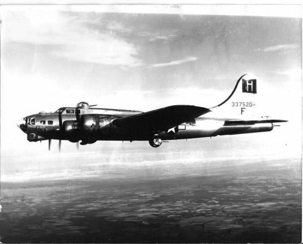 B-17 #43-37520 / G.I. Jane