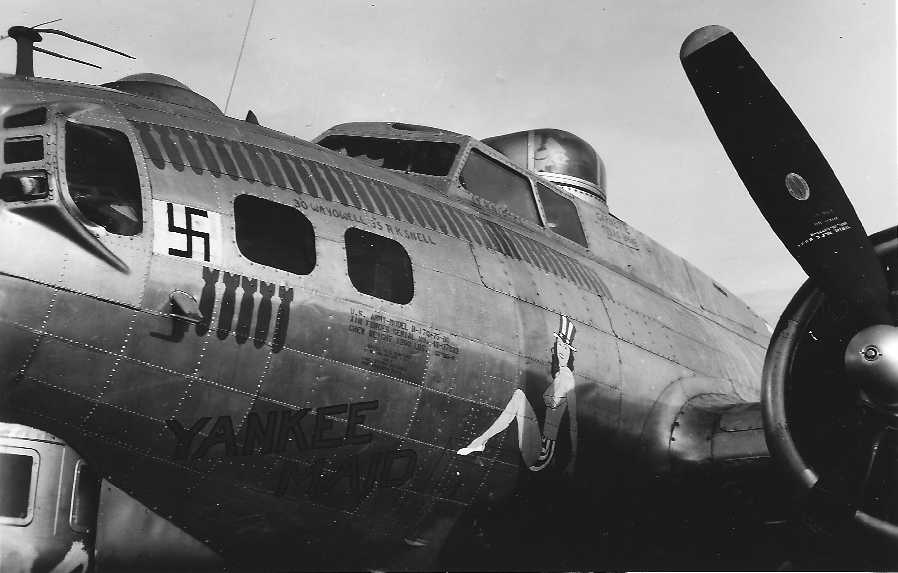 B-17 #43-37933 / Yankee Maid