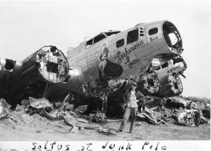 B-17 #43-37999 / Lecherous Lou