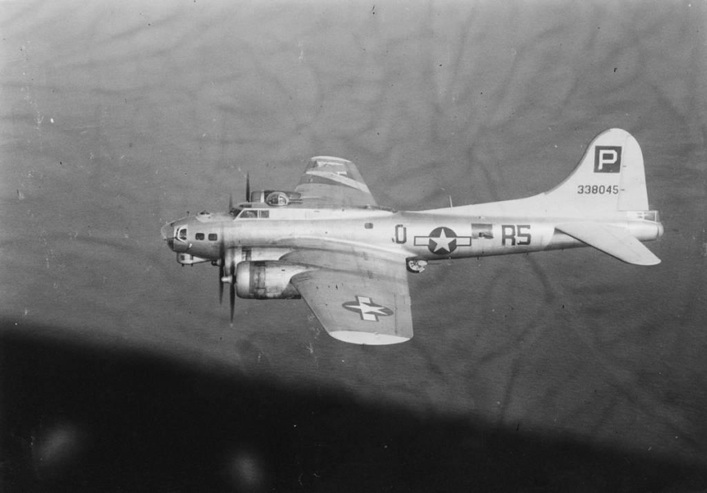 B-17 #43-38045 / Salty Dog