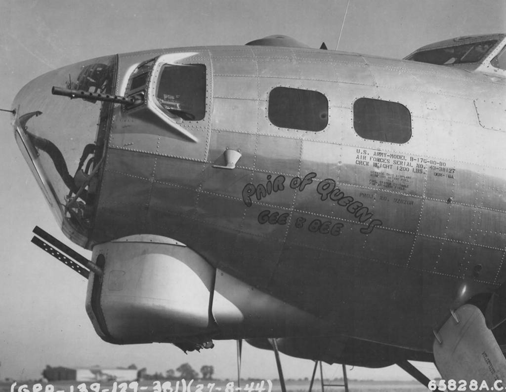 B-17 #43-38127 / Pair of Queens, Gee & Bee