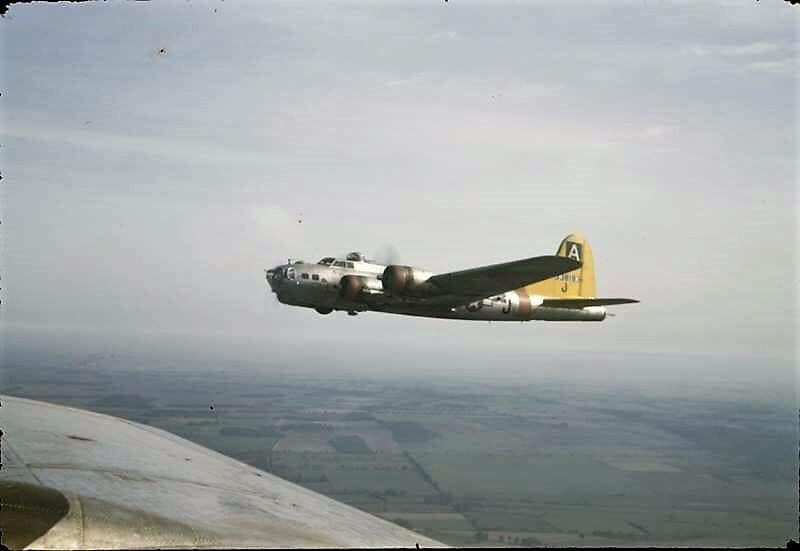 B-17 #43-38183 / Ice Cold Katie