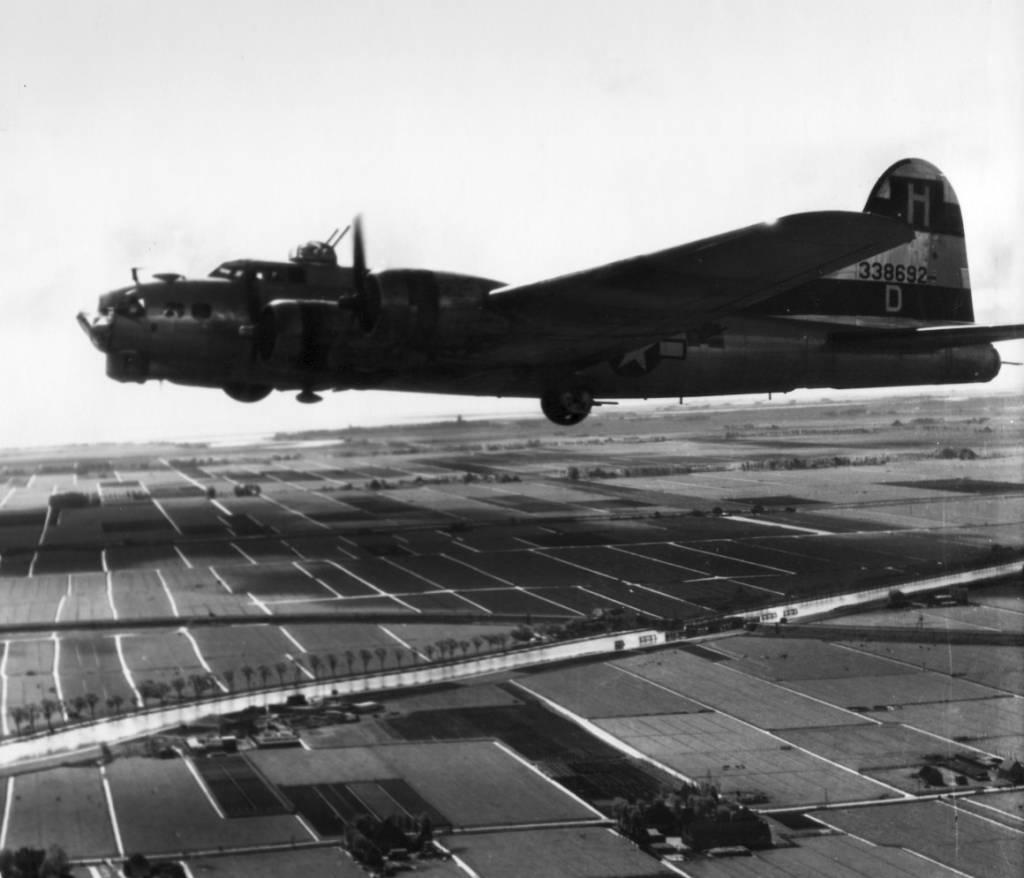 B-17 #43-38692 / Baby Mine