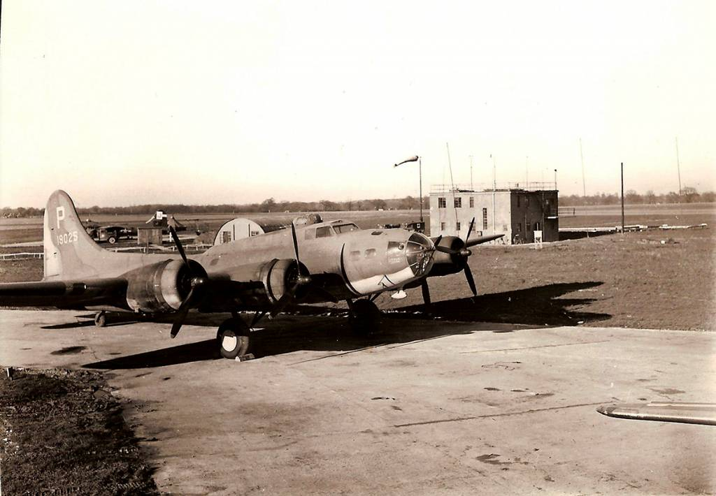 B-17 #41-9025 / Little John aka Lady Be Good