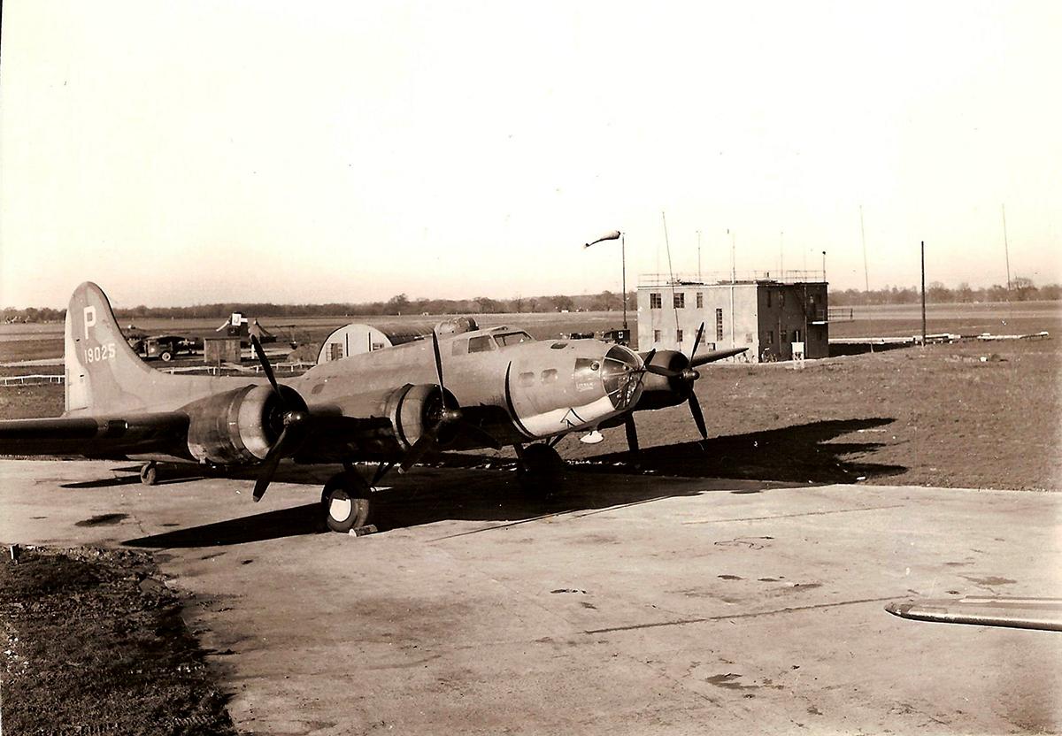B-17 #41-9025 / Little John aka Lady Be Good