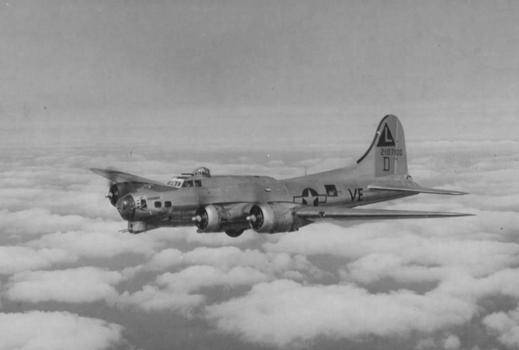 B-17 #42-107100 / Century Note