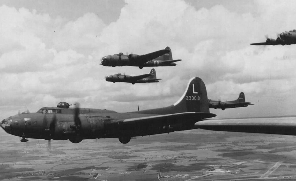 B-17 #42-30018 / Old Coffins