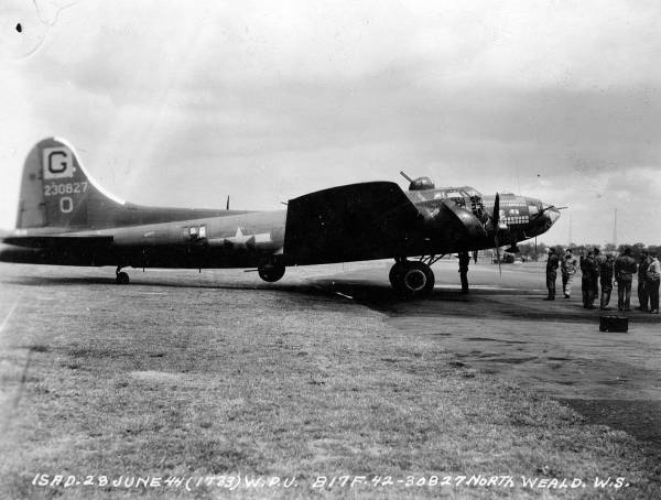 B-17 #42-30827 / Roundtrip Ticket III