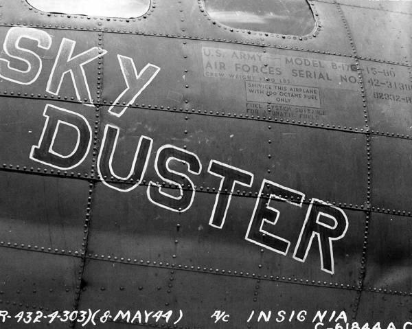 B-17 #42-31386 / Sky Duster aka Woof