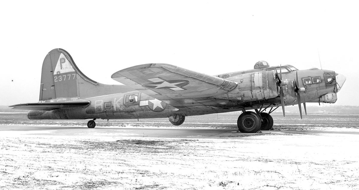 B-17 #42-37776 / Lady Drew