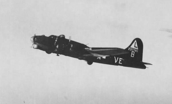 B-17 #42-37786 / Hit Parader