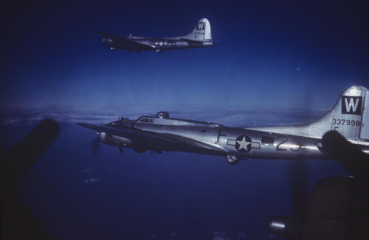 B-17 #43-37998 / Miss Irish aka The Roanoke Magician