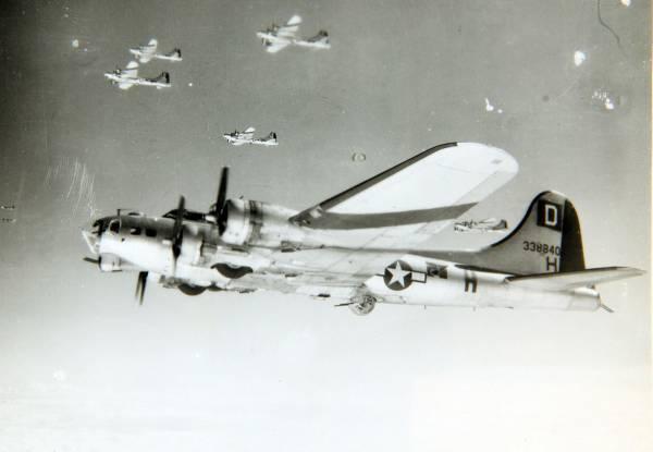 B-17 #43-38840 / The Little Rebel aka Lil Rebel
