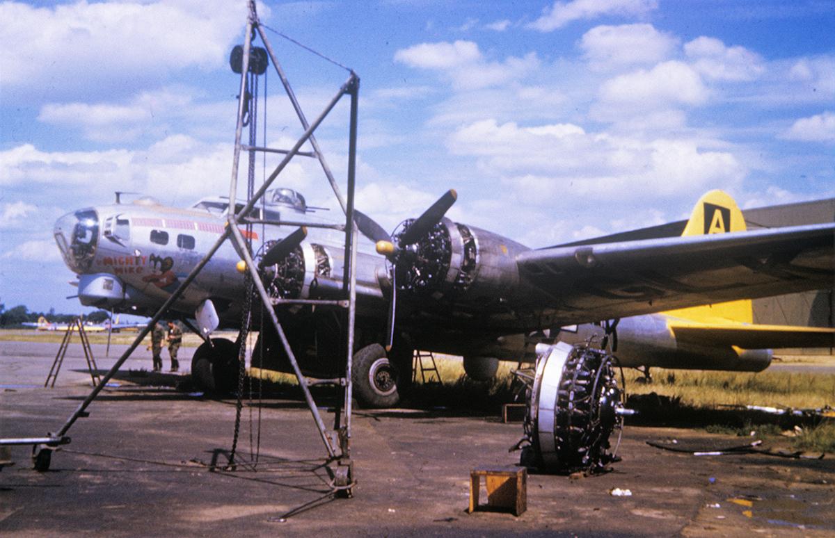 B-17 #43-39096 / Mighty Mike aka Sky Demon