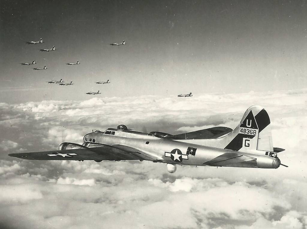 B-17 #44-8368