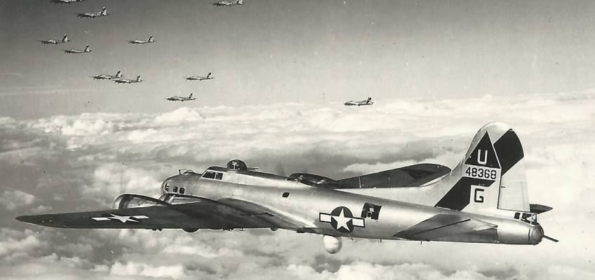 Boeing B-17 #44-8368