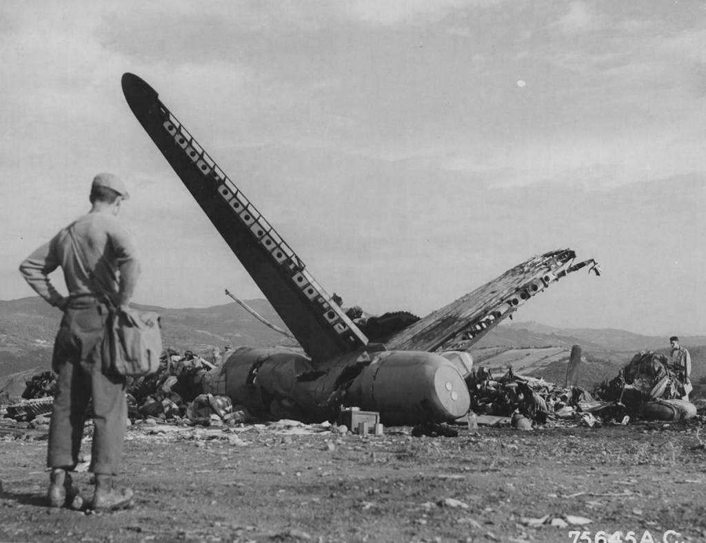 B-17 #41-24366 / K.O. aka The Puffin' Hussy II
