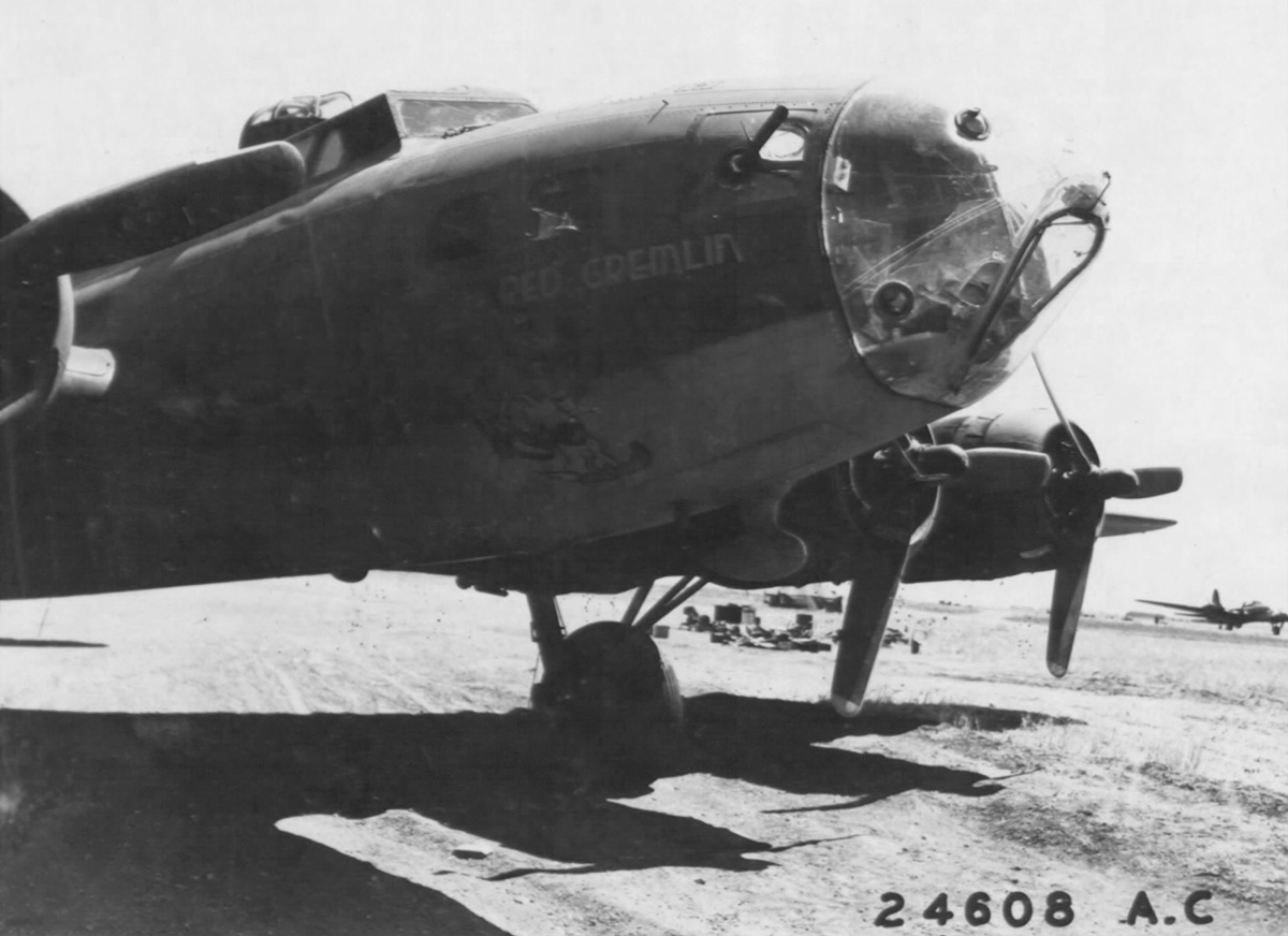 B-17 #41-24444 / The Red Gremlin