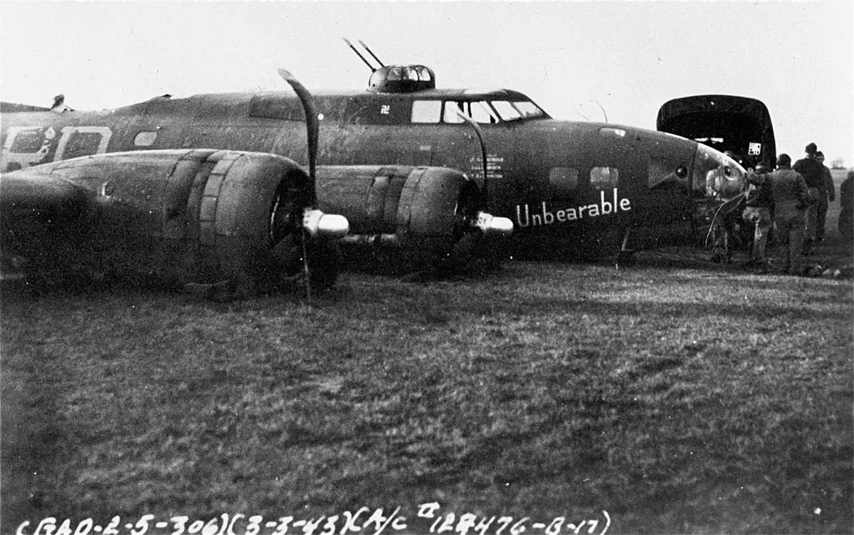 B-17 #41-24476 / Adorable – Unbearable