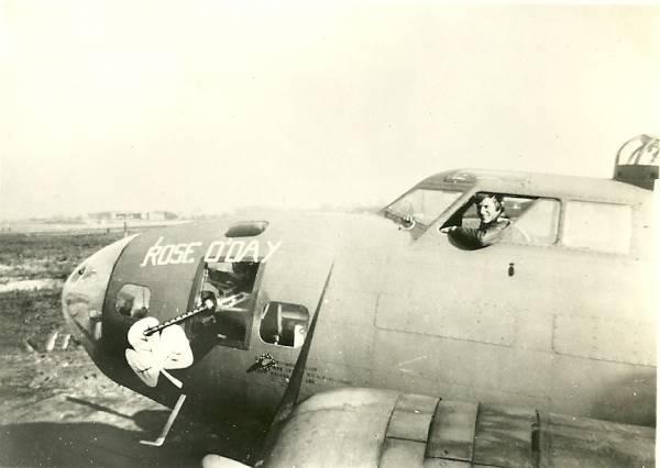 B-17 #41-24495 / Rose O' Day