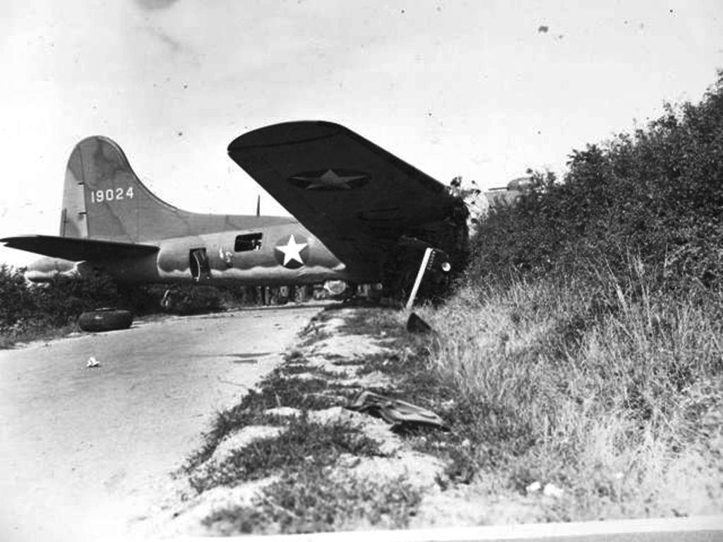 B-17 #41-9024 / King Condor