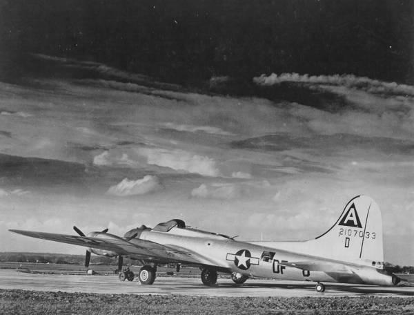 B-17 #42-107033 / My Baby