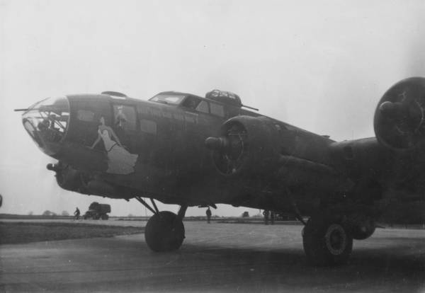 B-17 #42-29739 / Wolf Pack aka The Village Flirt