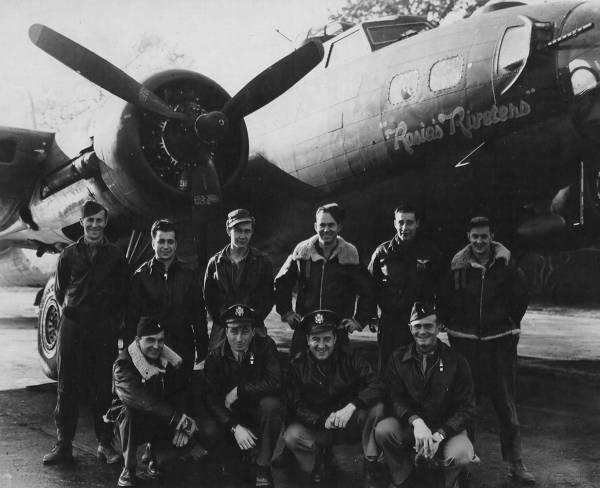 B-17 #42-30758 / Rosie's Riveters aka Satcha Lass