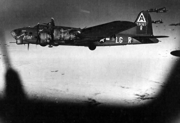 B-17 #42-31367 / Chow-Hound