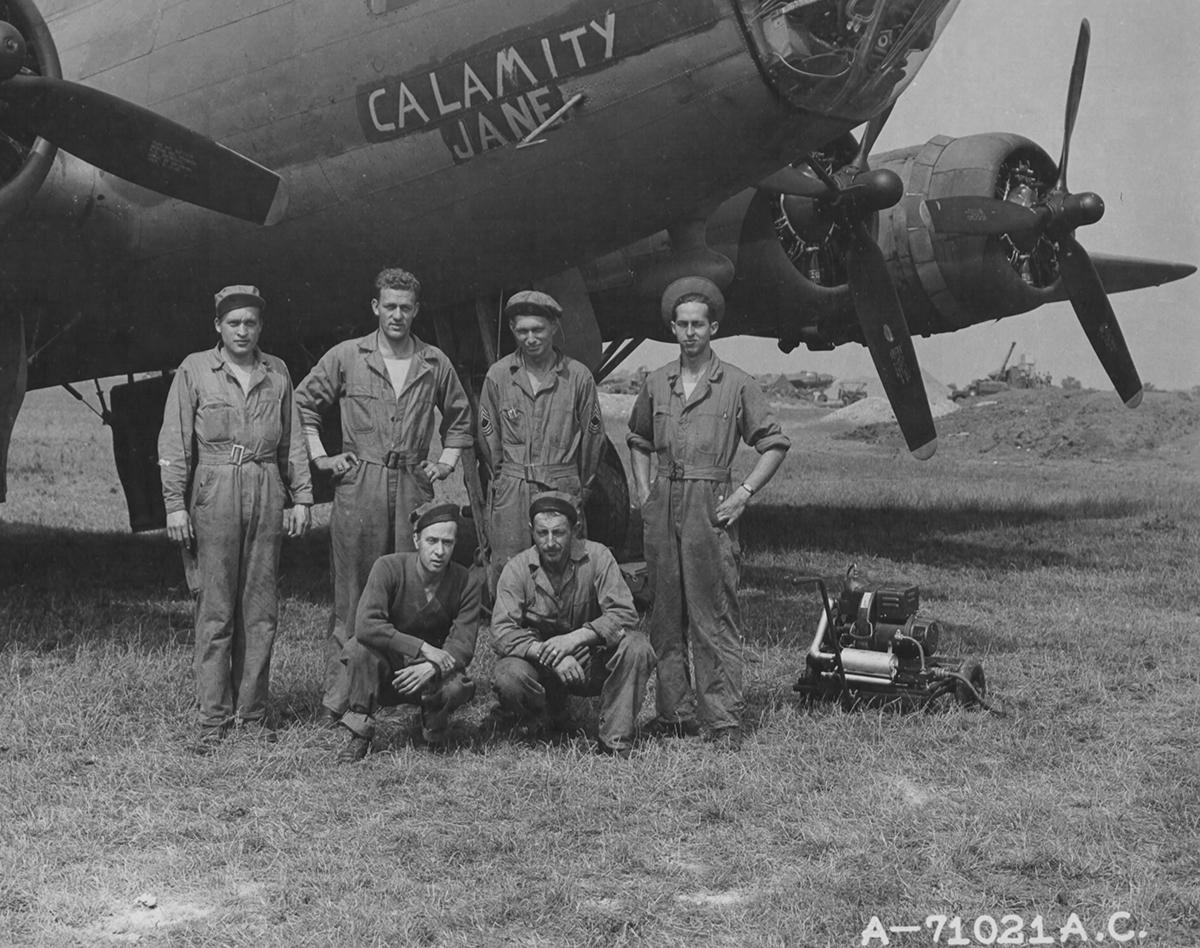 B-17 #42-3199 / Calamity Jane