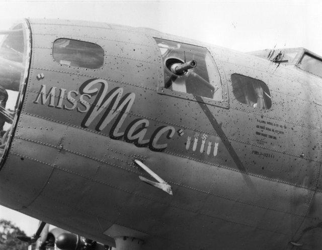 B-17 #42-3291 / Miss Mac
