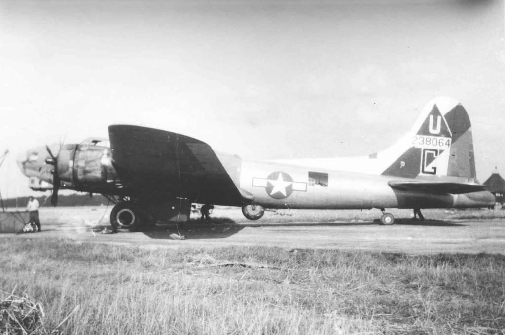 B-17 #42-38064 / Half and Half (Arf & Arf)