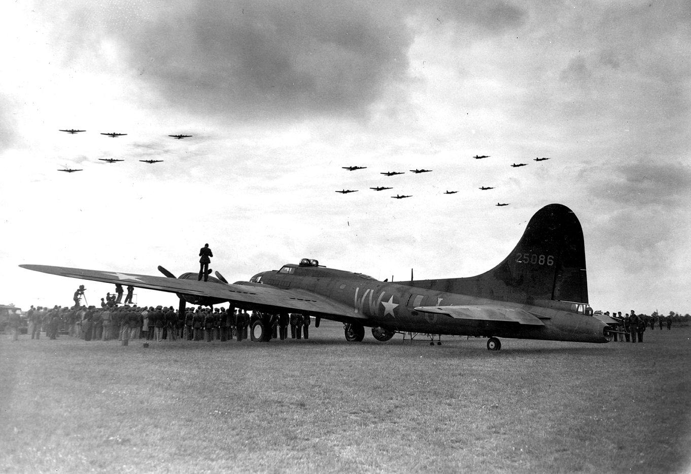 B-17 #42-5086 / Wahoo II