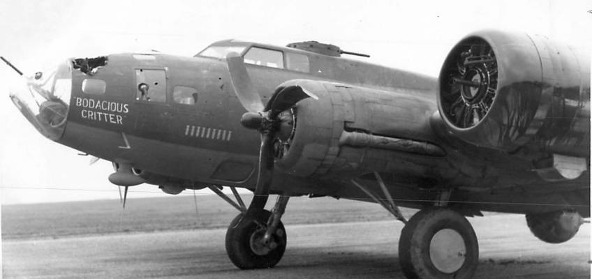 Boeing B-17 #42-5251 / Pride of Karians aka Bodacious Critter