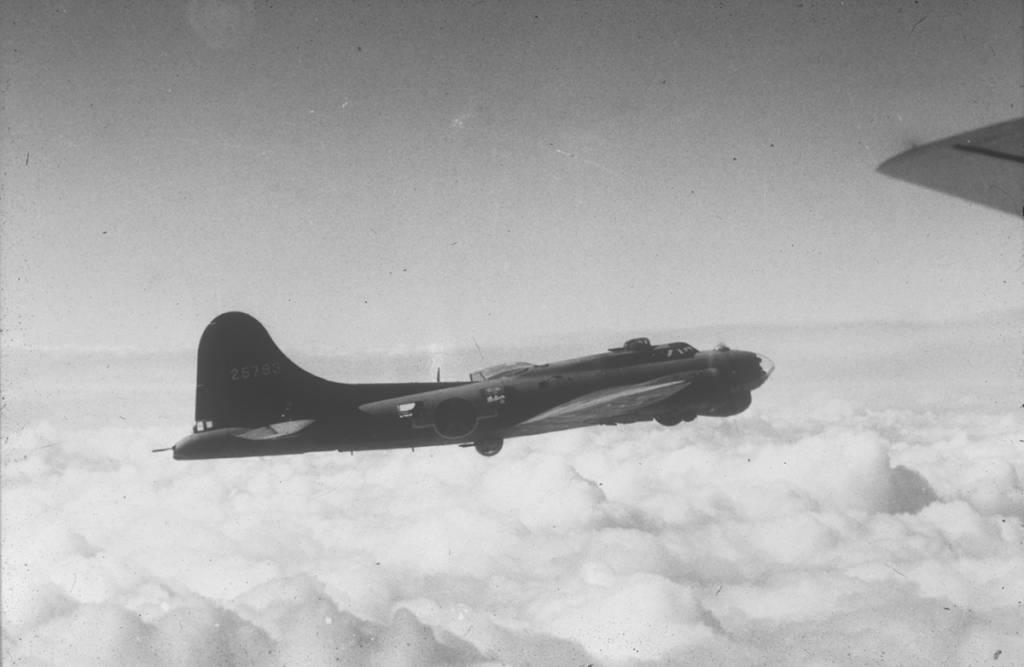 B-17 #42-5793 / Stinky