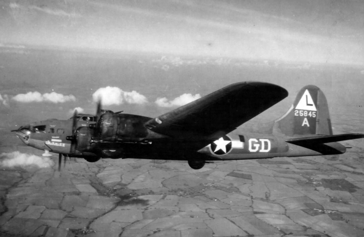 B-17 #42-5845 / Whale Tail II