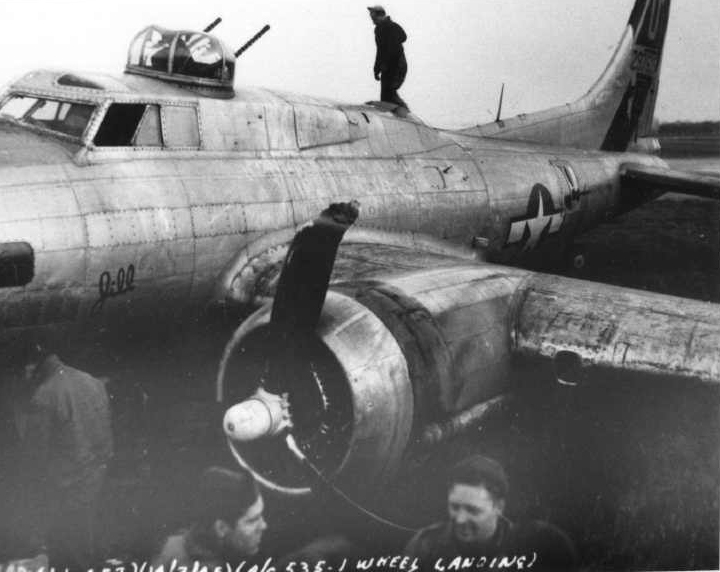 B-17 #42-97535 / Bouncing Betty II