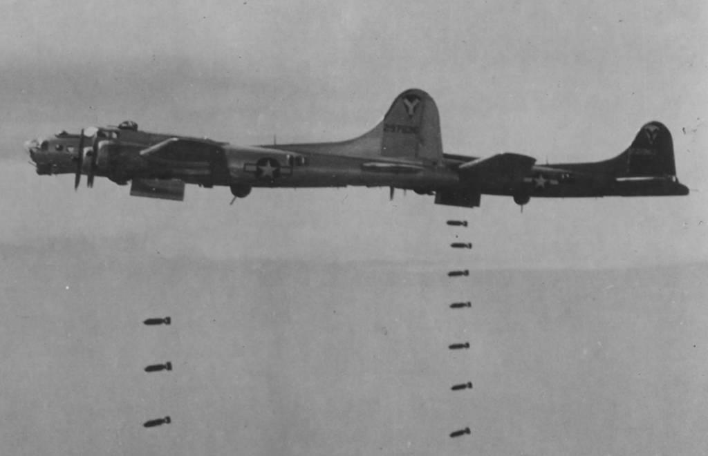 B-17 #42-97536 / Fargo Express