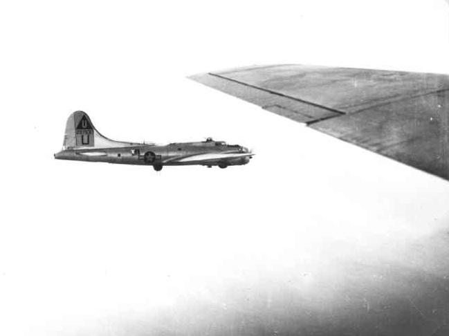 B-17 #42-97537 / Chicken Ship
